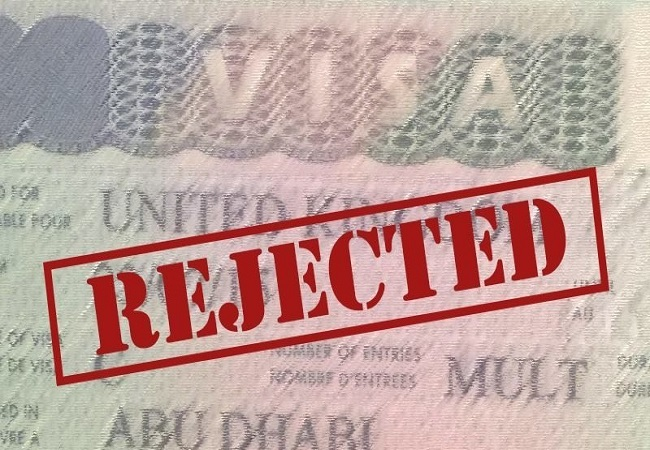 UAE Suspends Issue of New Visa