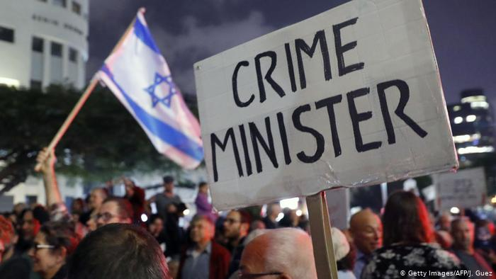 Over 1000 people protest against PM Nethanyu in Israel